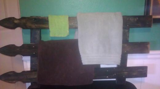 mismatched bathroom towels