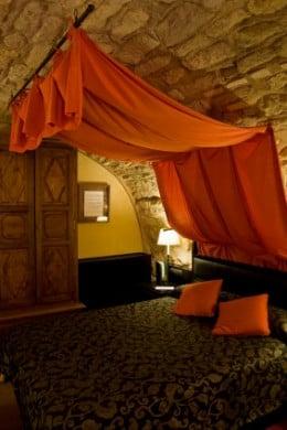Bedroom Interior Design Idea - Stylish Ethnic Décor