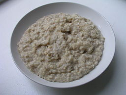 Cooked oatmeal is a powerful way to start your morning!