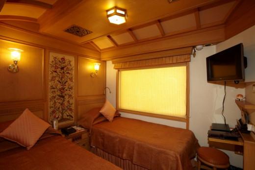 Twin Bed Junior Suite Cabin Plan