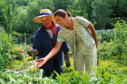 Natural garden pest control lets you enjoy time in your garden as well as healthy foods and herbs.