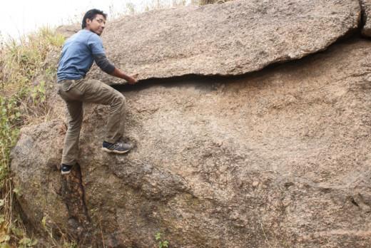 "Rock Climbing using ""under cut"""