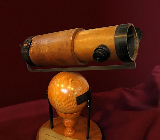 A replica of Newton's second reflecting telescope that he presented to the Royal Society in 1672