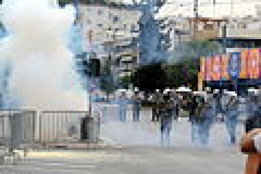 Greek police use tear gas to try and stop a riot (June 2011)