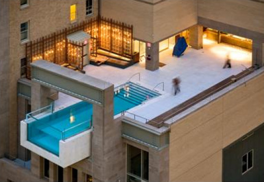 Hotel Elan in Dallas Texas Rooftop Swimming Pool October 3rd, 2008 No comments I have seen some cool and unique hotel pools, but the Rooftop Swimming Pool at the Hotel Elan in Dallas Texas is so cool that I thought it needed to be shared.