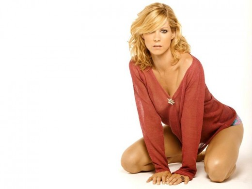 Fine, she's a little nut with her rabid devotion to Scientology, but that doesn't make Jenna Elfman any less hotter.