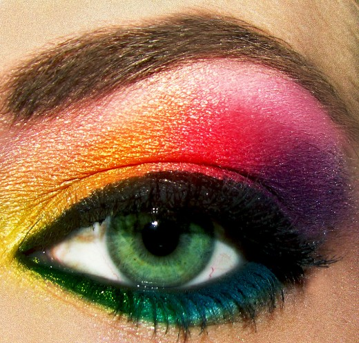 Bold Rainbow Eyeshadow. Great Rainbow Eyeshadow Looks to Try.