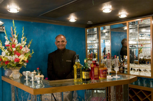 Restro Lounge Sheesh Mahal