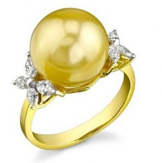 Large Golden South Sea Pearl Ring in 18k Gold