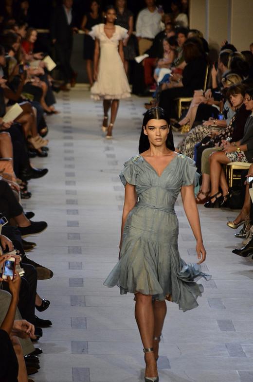 50's inspired feminine dresses are trending for spring 2013. (Zac Posen Spring/Summer 2013)
