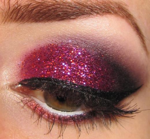 Gorgeous starry pink glitter eye makeup
