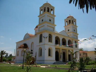 Church of Agiou Konstantinou in the center of the village