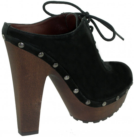 side view of the Sam Edelman Faye clog