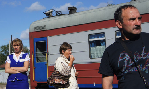 That's our Provodnitsa on the left - looking stern, looking scary. I managed to get her to crack a smile when we said goodbye at Tomsk.