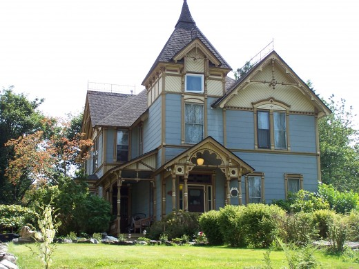 In the summer of 2000, the Carrington house named after its builder in 1907, a Victorian mansion on Hill Road, had come up for sale.