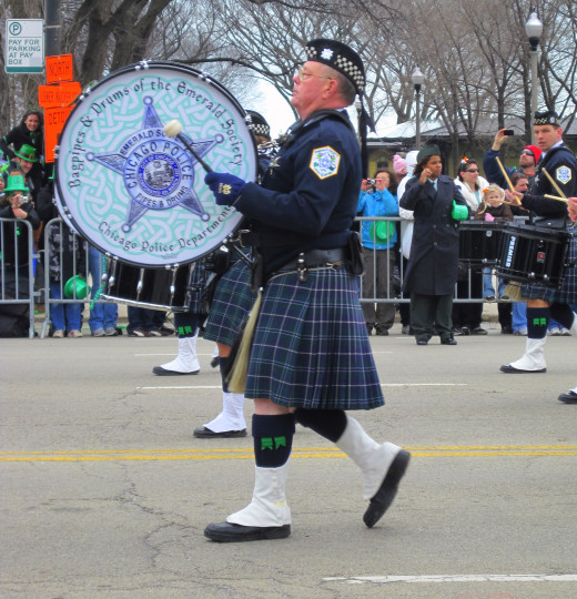Bagpipes & Drums of the Emerald Society - Chicago Police Department