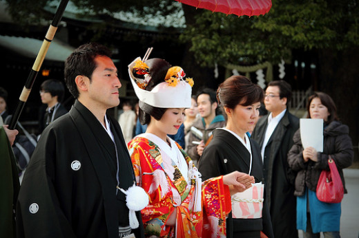 Wedding Traditions Japanese Firm Rents Out Wedding Guests To Japanese Brides And Grooms In Japan
