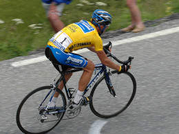 From the 2005 Tour de France. Does Armstrong look borderline overweight to you?