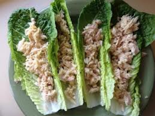 Tuna with lettuce wraps - low calorie - good source of protein and omega 3