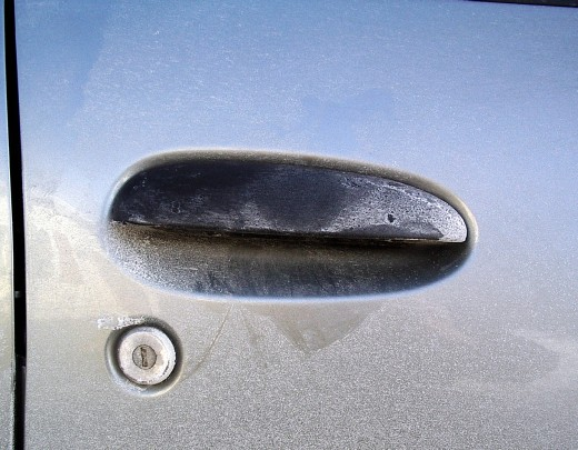 This type of door handle with hinges on either side, tends to break, and is ideal for breaking fingernails.