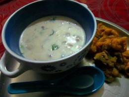 mushroom soup and pakoras