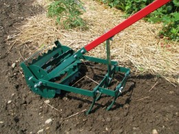Home Gardening Tools to Grow Organically