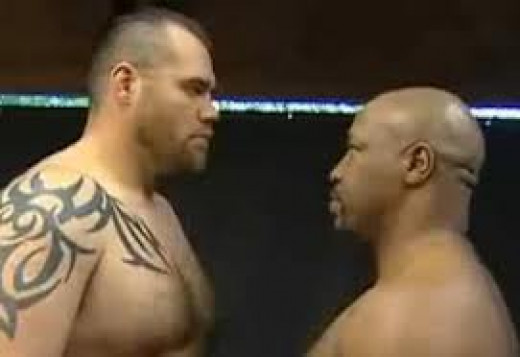 Former UFC Champion Tim Sylvia against Merciless Ray Mercer from the world of boxing. Sylvia had a height and reach advantage heading into the fight.