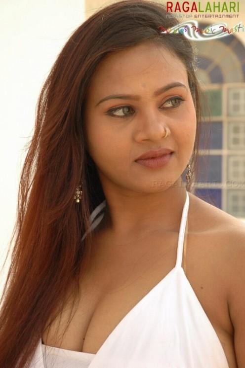 Tamil Hot Masala Aunty Swapna Image 19
