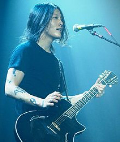 Slapping Guitar Like Japanese Sensation Miyavi: Part 1 - Mastering the Slap