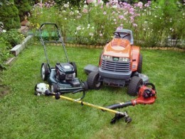 Having well maintained lawn service equipment is crucial in starting a successful part or full time lawn company. I think this is my favorite idea for starting a business.