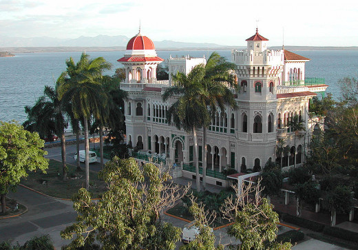 In December 2003, Dieter Mueller photographed a mansion in the Moorish Revival architectural style in Cienfuegos, a city in central Cuba.