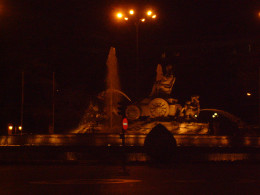Fuente la Cibeles (Cybele's Fountain) lets walkers know that you are at the Paseo de Prado