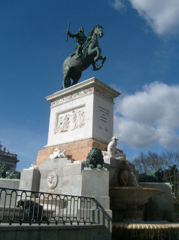 A statue of a guy on a horse seems to be a major theme in Europe. This one can be found at Plaza de Oriente.
