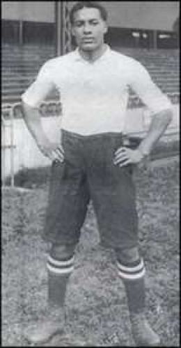 Walter Tull Pro-Footballer & enlisted to become 2nd Lieutenant during WW1