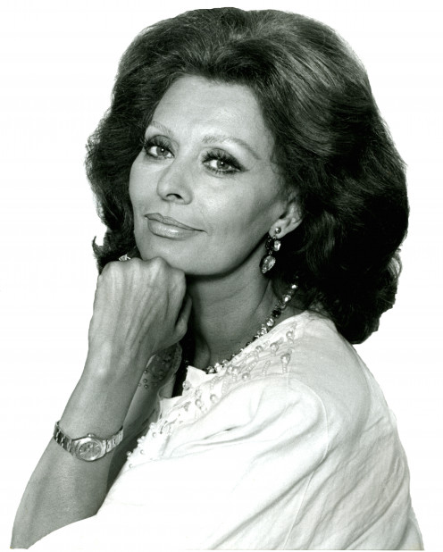 Italian beauty Sophia Loren has what many may classify as the perfect lips.