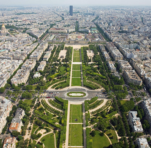 Diliff took this photograph of the Champ de Mars from the Eiffel Tower on July 5, 2006.