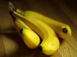 Snacking on bananas are a great way to improve the health of your digestive system.
