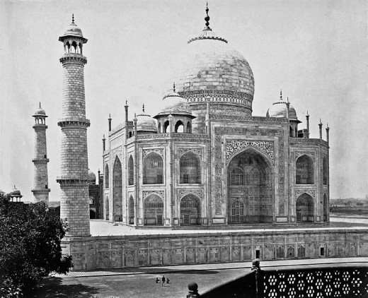 Munshi Abdul Karim was from Agra, the Taj Mahal city of India