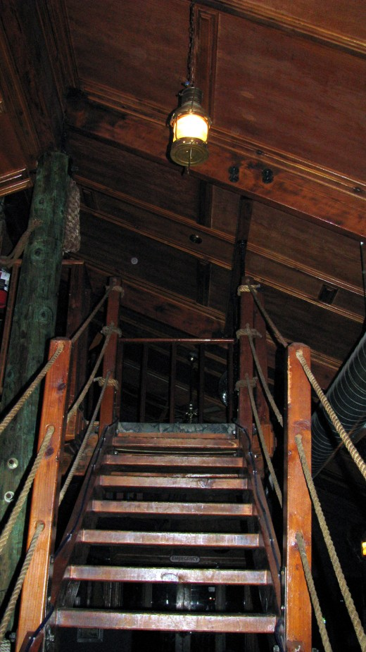 Small orb at the top of the stairs to the second floor where Nancy Bradley indicated there was a portal.