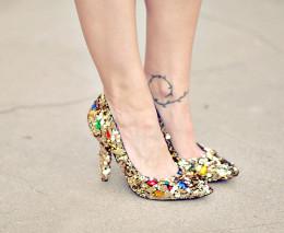Embellished Dolce & Gabanna pumps. CC BY 2.0, via Flickr.