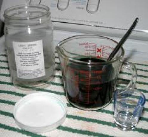 Preparing Dyes