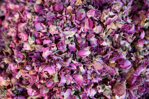 make your own rosewater easily in advance with rose petals from your garden. they may also be used in potpourri, bath treatments and in homemade air freshener.