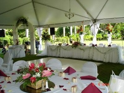 """Keep it elegant to ensure your wedding is beautiful and not """"touristy."""""""