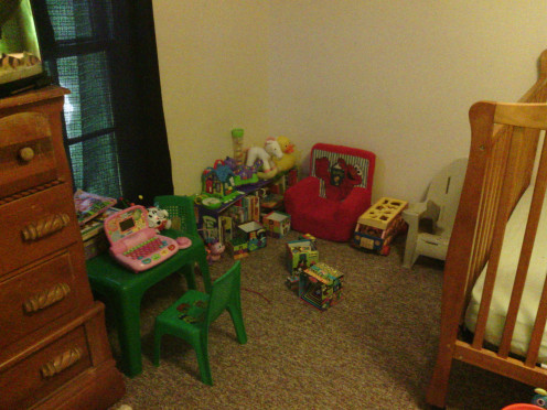 Child's room after decluttering.