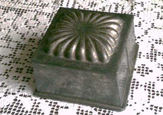 Heavy Tin Mold for Baking circa 1930-1940