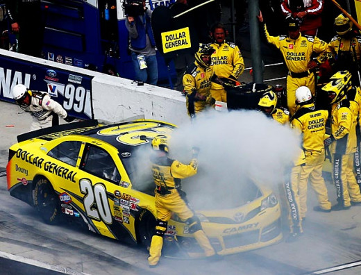 Matt Kenseth's chance to repeat as Daytona 500 champion went up in smoke early