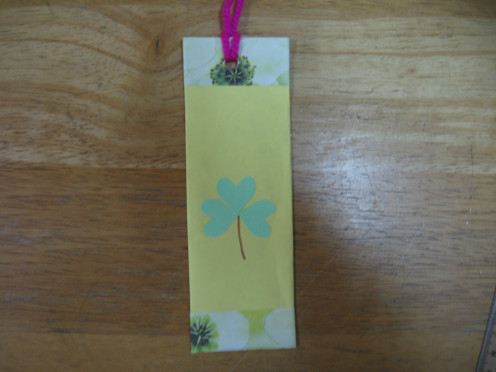 a cute Shamrock Bookmark for the kids