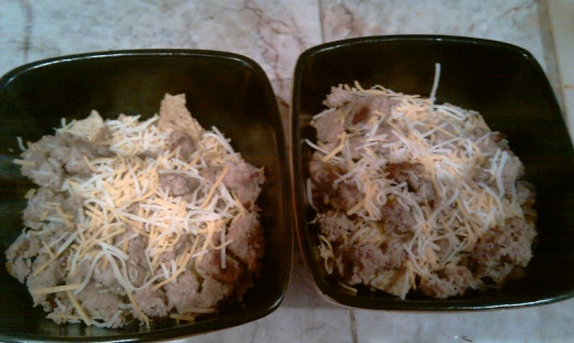 chips, turkey meat and  shredded cheese