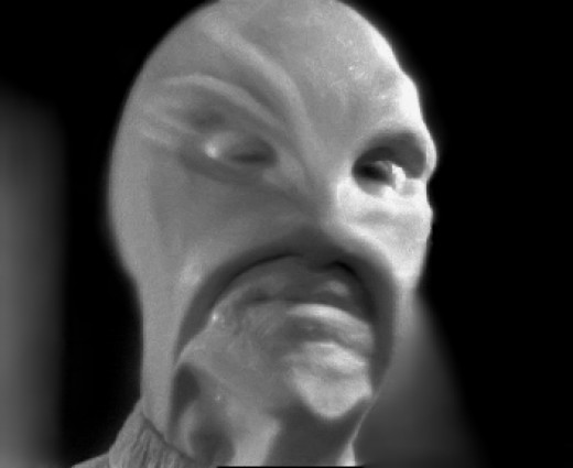 An alien (played by actor John Hoyt) depicted on TV twelve days before the making of Hill's 'Grey' hypnosis tape