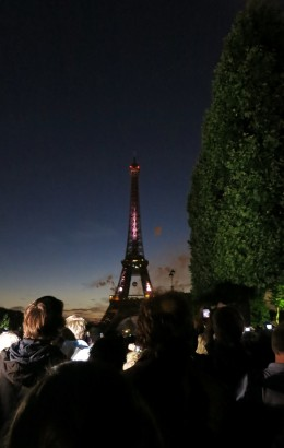 On the Champs de Mars, waiting for it to get dark